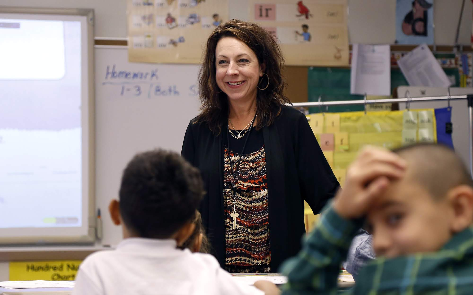 Yvonne Tutera, a second-grade teacher at Francis McClure Elementary in the the McKeesport Area School District, teaches math class on Aug. 29. (Photo by Ryan Loew/PublicSource)